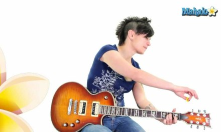 """How to Play """"Zombie"""" by The Cranberries on Guitar"""