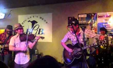 Turnpike Troubadours live jam session during guitar repair