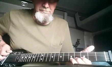 Guitar Lesson! Blues Improvisation, Key of E, 2nd Position, Finger Picking!