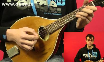 Beginner Irish Mandolin Free Lesson No. 2 of 6: Hand & Finger Positioning + Simple Tune