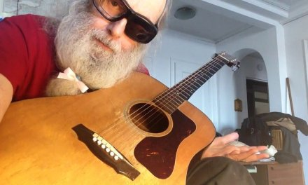 Guitar Lesson. How to play Blues In The Key Of E. Shuffle. Fingerpicking. Blues Scale. Fun!!! Enjoy!