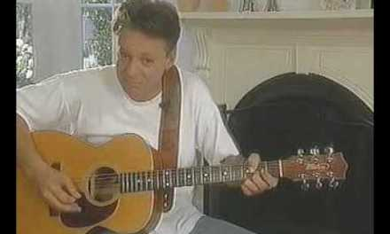 Tommy Emmanuel teaches Stevies Blues