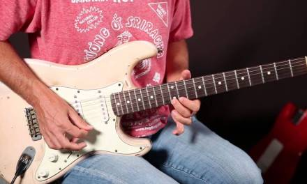 Guitar Soloing Lessons – Spice up Your Pentatonic Scale with Extra Notes