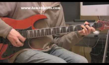 Learn Electric Guitar Lessons – How to play Paradise City – Easy Guitar Riffs