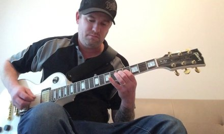 Hi, joker and the thief solo by wolfmother..electric guitar lesson