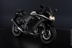Kawasaki_Ninja_250R_2011_P2