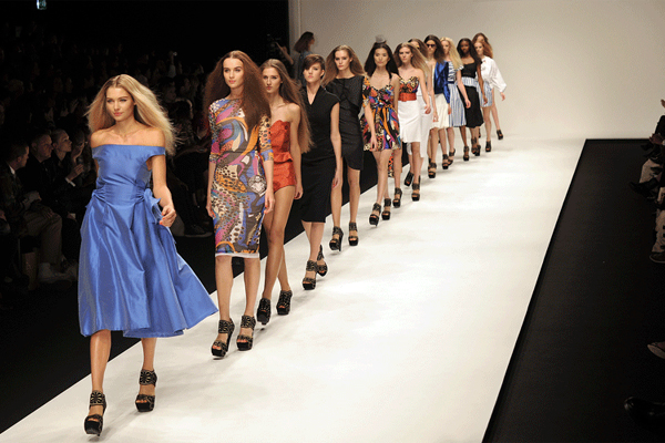 Why online modeling jobs are bad news