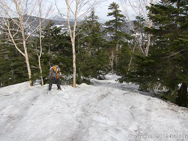 120429平ヶ岳・ススヶ峰南東尾根滑り出し