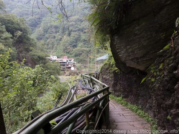 140912台湾・廬山温泉の沢沿い