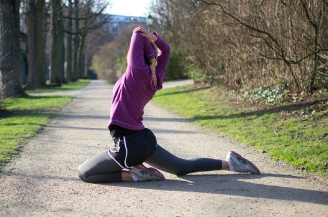 dynamic pre-run stretching, pre-running _ Pigeon Pose