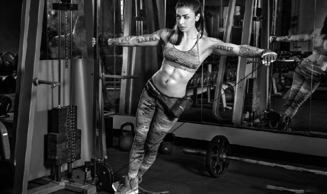 vj bani abs body building