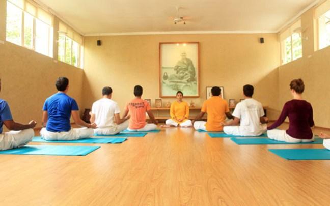 Yoga Classes in Delhi; Sivananda Yoga Vedanta Centre