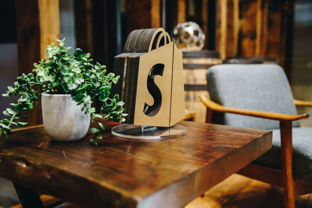 best shopify stores - customer account page flits