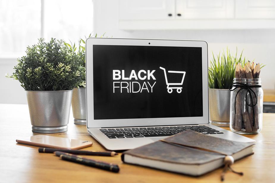 black-friday-shopping-at-home