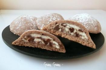 biscotti di frolla ripieni con ricotta e cioccolato