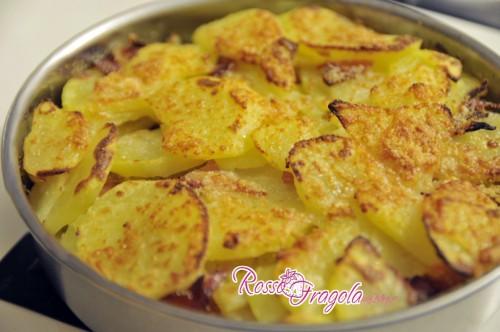 Risultati immagini per immagine patate gratinate