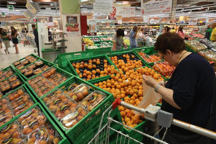 Crescono consumi ortofrutta, +2% nel 2016