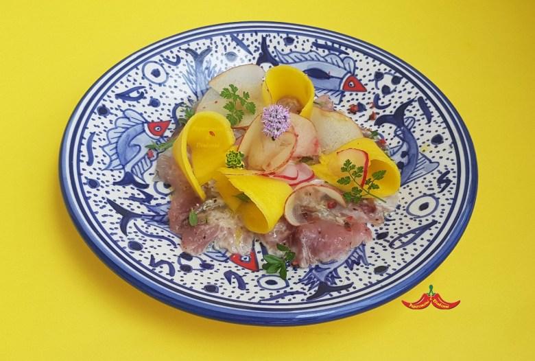 Carpaccio di Palamita, lime, mango e Cerfoglio