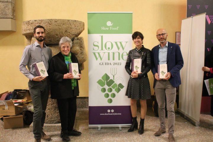 Slow Wine 2022, «La guida che ha rivoluzionato il mondo del vino»