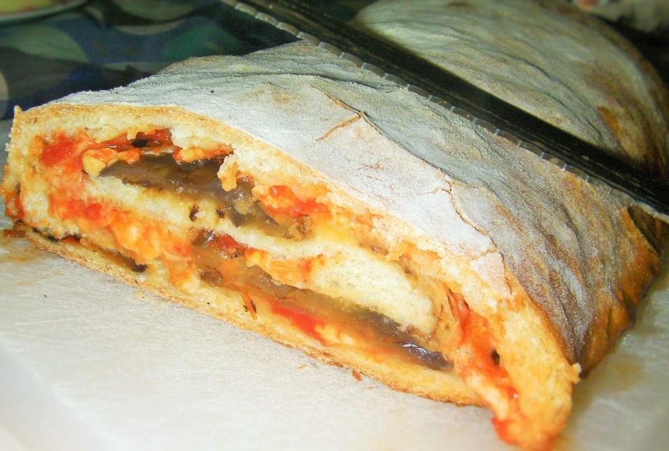 Rotolo di pizza con le melanzane