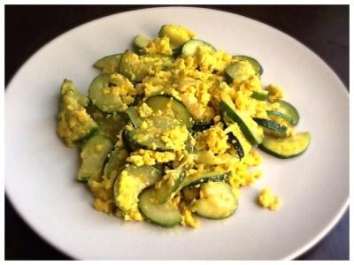 Zucchine cacio e uova al curry