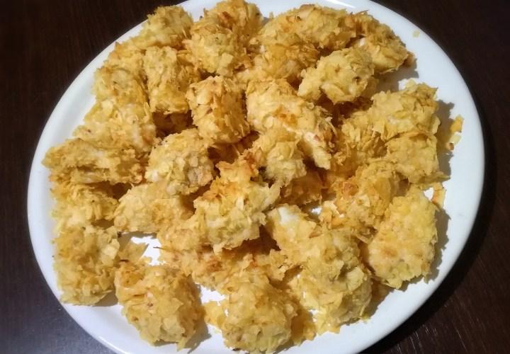 Bocconcini di pollo panati con le patatine