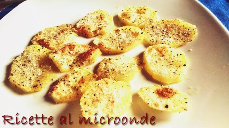 Contorno veloce di patate gratinate al microonde