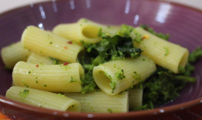 One pot pasta: pasta con le cime di rapaOriginally Posted on 7 May 2015 and reposted on 21 October 2020