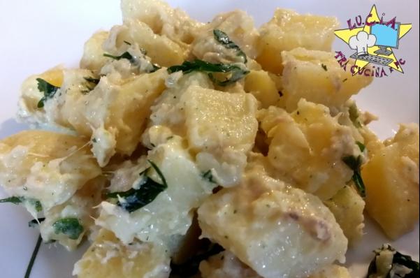 Insalata di patate con salsa allo yogurt
