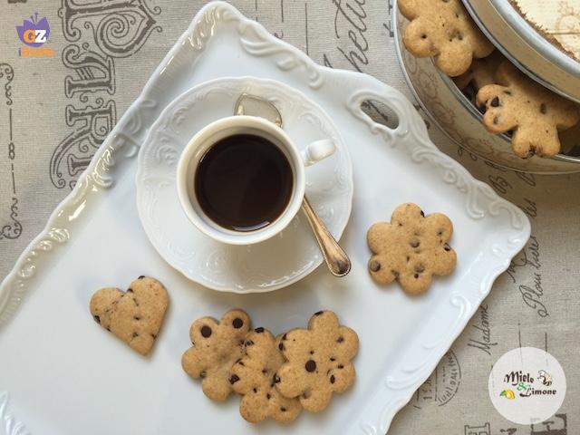 Biscotti di farro all'arancia e cioccolato – ricetta vegan