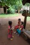 Kinder in der Kleidung der bo laver