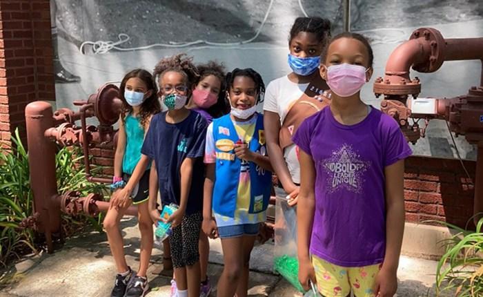 Girl Scouts explore Chicago's Bronzeville neighborhood in honor of Juneteenth!