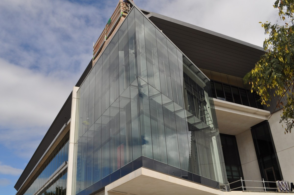 ABC Brisbane Headquarters - Frameless Assembly