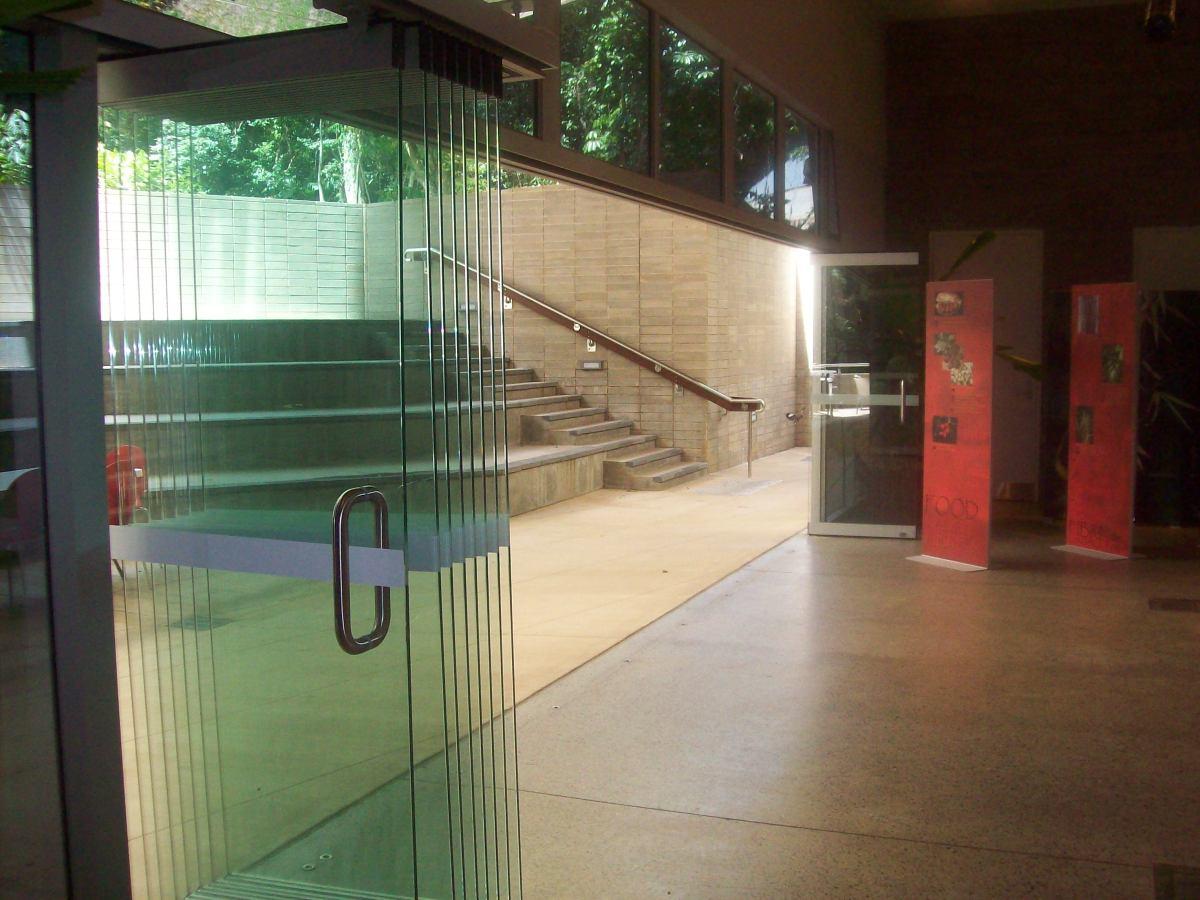Visitor Centre, Cairns Botanic Gardens Frameless Bifold Doors
