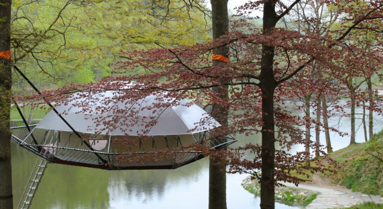 Dom'Up the latest Glamping Trend for Treehouses