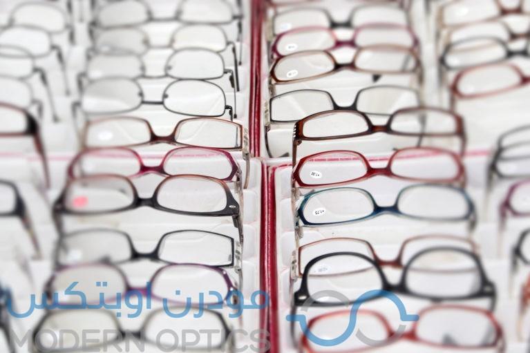 f7e192351 نظارات نظر مختلفة الأشكال والخامات.. اختاري من بينها ما يناسبك