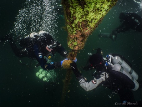 Photo: Divers participate in citizen science on lake in Belgium. Credit: Laurent Miroult.