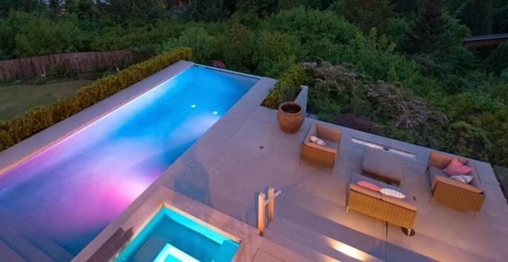 Iluminação de led: sua piscina muito mais bonita!