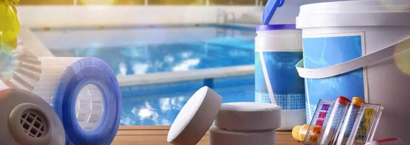 Como tratar piscina com produtos químicos