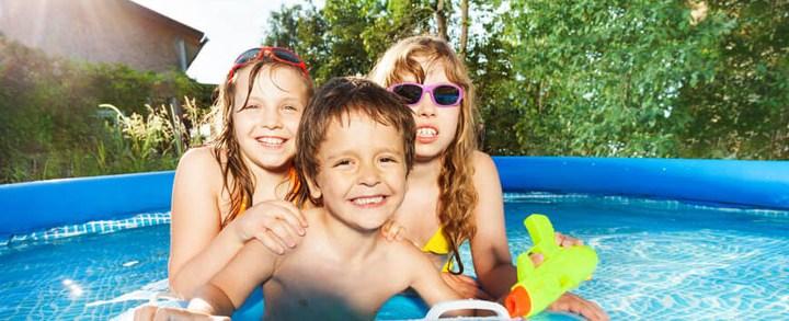 Qual a diferença entre piscinas infláveis e piscinas de armação?