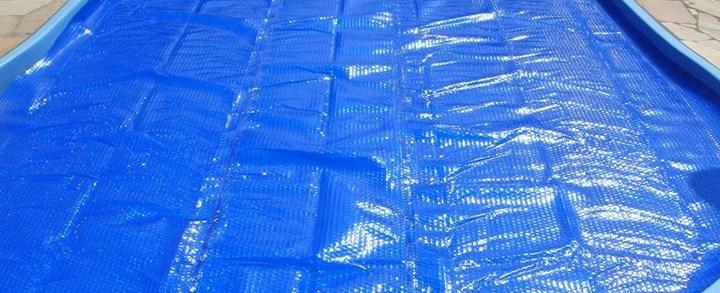 Capa térmica para piscinas: o que você não sabia