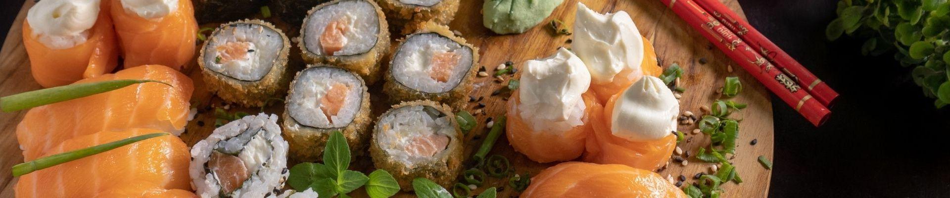 Descoperă restaurantele de sushi din Iași cu livrare în doi timpi și trei mișcări.