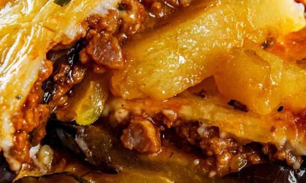 La receta de musaka que llevará las islas griegas a tu cocina