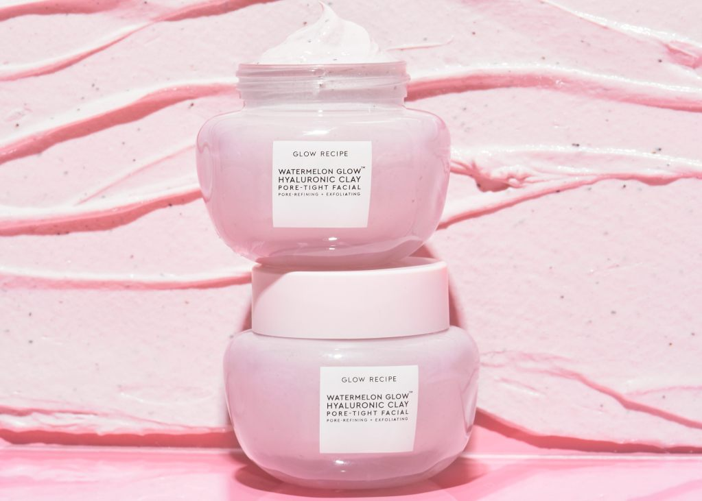 Discover the history of clay masks, the benefits of clay masks for skin, and what the new versions have to offer. Shop K-beauty at Glow Recipe Skincare.