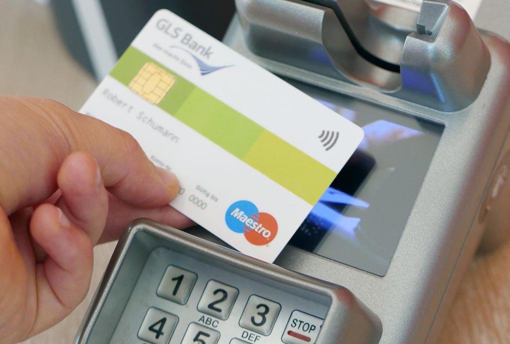Kontaktlos NFC bezahlen: bequem, aber auch sicher?