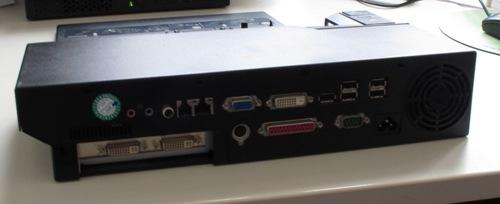 Docking von Hinten - 3 DVI Ausgänge