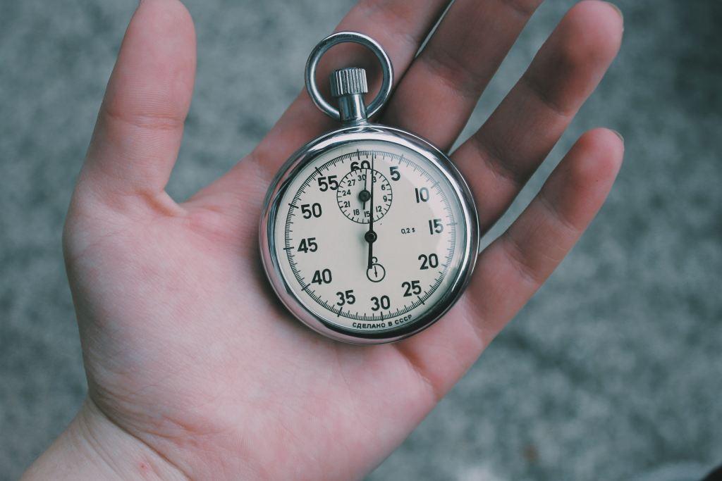 objectif SMART Temps Chronomètre dans une main