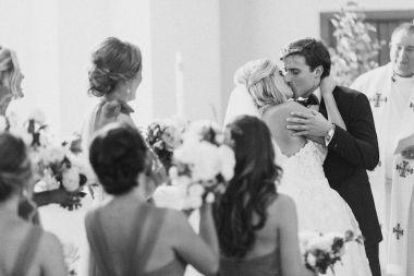 011-Winfrey-wedding-Beaver-Creek-first-kiss