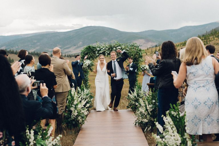 10-destination-wedding-planning-tips