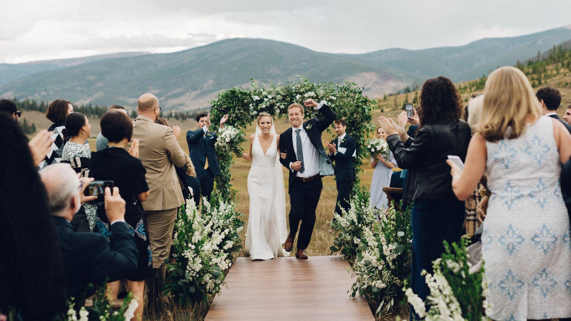 10-destination-wedding-planning-tips